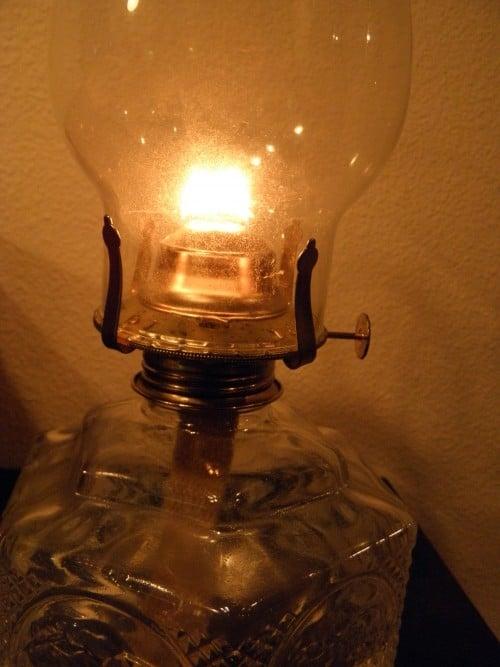 The Girls Guide to Oil Lamps | PreparednessMama