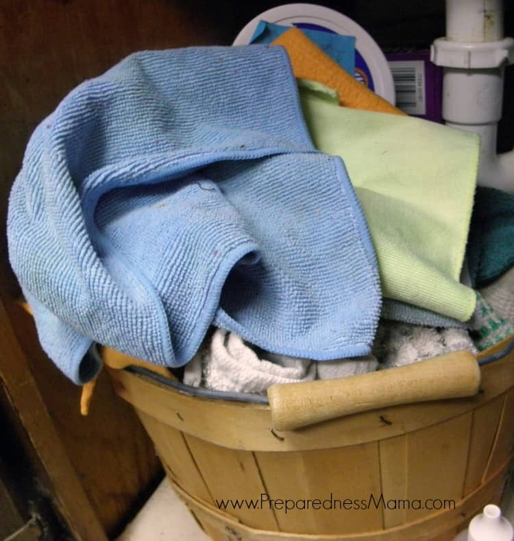 These are the under sink towels and rags that replace paper towels in our kitchen | PreparednessMama