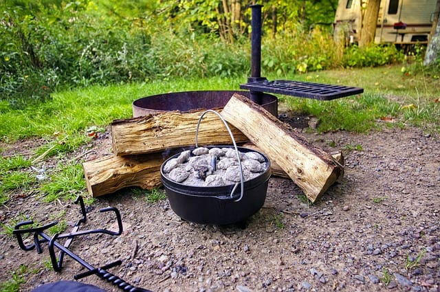 Make The Best Meals Next Time You Camp With These Dutch Ovens!